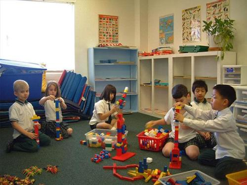 Montesori Classroom Activities